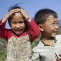 Glückliche Kinder sehen definitiv so aus!