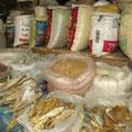 Klar Reis darf auf einem asiatischen Markt auf keinen Fall fehlen.