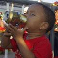 Das mit dem Biertrinken muss er wohl noch etwas lernen... :-)