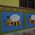 Hier die Biene Maja... :-)