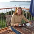Hier zelebriere ich ein ausgiebiges Fruehstueck am Meer (Mutti, das war an deinem Geburtstag!)