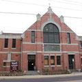 .. und ein Fitnessstudio in der Kirche... das ist gewoehnungsbeduerftig... :-)