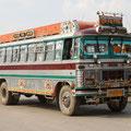 Und auch die Busse sehen irgendwie alle bunt und nostalgisch aus.