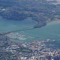 Die Harbour Bridge von Auckland faellt allerdings etwas kleiner aus als die von Sydney...