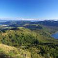 Der naechste Tag ist klar und gut fuer den Robert Ridge Track, der oben auf einem Berggrad entlang geht und fuer den man fuer Fernblicke einfach gutes Wetter braucht.