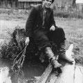 Мокров Н.А. в родной деревне Савастлейке.1950-е годы