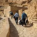 Transport des Platikmülls zur Berberwohnung