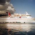 Kreuzfahrtschiff bei Ochos Rios