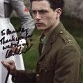 Lachlan Nieboer as Lieutenant Edward Courtenay
