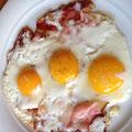 und Frühstück der feinen Art…wenn nun die männlichen Hormone nicht angeregt werden, wann dann, denn so eine Portion bekam jeder von uns….!