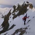 Am Alpenhauptkamm, macht sich die angekündigte Störfront bemerkbar.