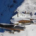 Bergstation der Karwendelbahn mit Kanonenrohr