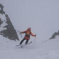 Franz wagt als erster die direkte Abfahrt vom Gipfel