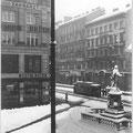 Blick vom Pfarrhaus auf den Kirchenplatz, ca. 1915