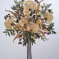 Bouquet de rosas, astrantia, alstroemerías, eucalipto. 50x45cm.