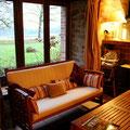 La vue de la salle de séjour du Gite rural familiale sur ferme BIO, le Vieux Domaine au Masbareau, en Limousin, Haute-Vienne, Nouvelle-Aquitaine