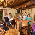 Le bar du coin cuisine du Gite rural familial sur ferme BIO, le Vieux Domaine au Masbareau, en Limousin, Haute-Vienne, Nouvelle-Aquitaine