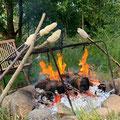 Lagerfeuer im Naturgarten bei Juste
