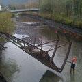 Démontage / Levage des vannes charpentées du barrage de Froté Montvert (38) avant rénovation