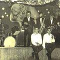 eines der ersten Gruppenfotos
