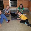 Kinder mit Leyla