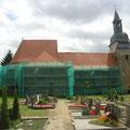 Foto: skb2012, Kirche St. Johannis, Schkeuditz-Glesien/ Sa. - Ansicht vom Friedhof aus