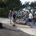 So wird in Sizilien mit 5 Jungs und 4 Radln geshuttelt...
