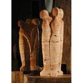 Drei Figuren | Roter Travertin | 70 cm | Ankauf Landratsamt Bodensee