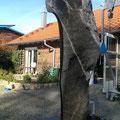 Schwarze Skulptur | Quarzhaltiger Kalkstein | 200cm | 2018 | €12.000.-