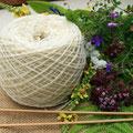 Tricot, pelotes, écheveaux, ruban peigné