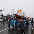 H30.7.15豊頃町で行われた「大津稲荷神社例大祭」に参加、地域の方々とお神輿を担ぎました