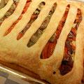 Torta Salata pomodorini semi secchi e carciofi