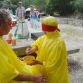 Ziel: Apfelmus füttern