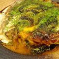 """お好み焼き:意外にもソースと相性ピッタリの""""ゆずからりん""""。"""