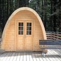 Und eine nagelneue Holzhütte lädt zum Übernachten ein (ein Brunnen ist in der Nähe)