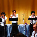 綺麗どころ3名による華麗なハーモニカ演奏~浅井会長も頑張ってます。