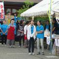 青のポロシャツは看護学生さんの皆さん・・・