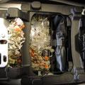 Nette Überraschung: Ein Maus-Nest unter der Sitzbank. Das perfekte Überwinterungsplätzchen ;)
