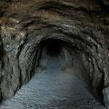 La entrada al cráter del Parangueo va por un túnel de unos 500 metros de longitud