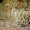 Chalcatzingo: das Flachrelief der Trias der Katzenfiguren wurden fein aus dem Stein gearbeitet
