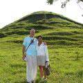 Pascal und Victorina auf dem Cerro Camila von Ra-Bon: dieser Besuch veränderte einst unser Leben für immer!