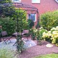 Gartenpflege Hannover - neuangelegter Rosenbogen, GreenFairway e.K.