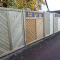 Sichtschutzzaun aus Holz mit Schieferkasetten von GreenFairway e.K.