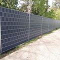 Zaunbau Doppelstabmatte: hier mit feuerverzinkten Matten und Pfosten inkl. hochwertigem Sichtschutz von GreenFairway e.K.
