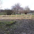 Zaun aus Holz mit Flugbohlen und Gartentor von GreenFairway e.K.