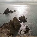 Scharfe Felsen unterhalb des Leuchtturms von Cabo de Gata