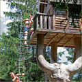 Baumhaus im Waldspielplatz