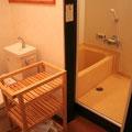 1F 共用バス・トイレ