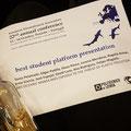 """Muy orgullosos de nuestra alumna Tania Pelamatti por haber obtenido el premio a la mejor presentación en la """"European Elasmobranch Association"""" celebrada del 12-14 de octubre en Peniche, Portugal."""