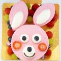 うさぎさん(15cm) ショートケーキを苺クリームでコーティングしたうさぎさん仕上げ